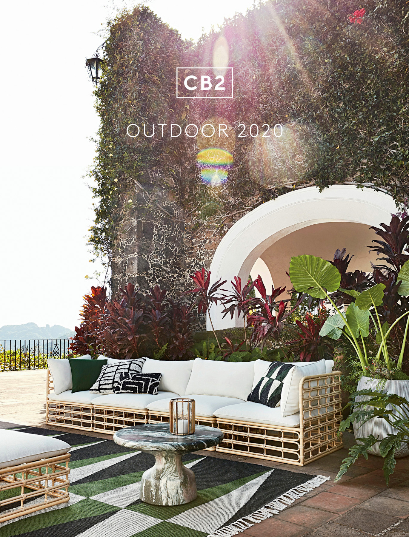 CB2OUTDOOR2020COVER
