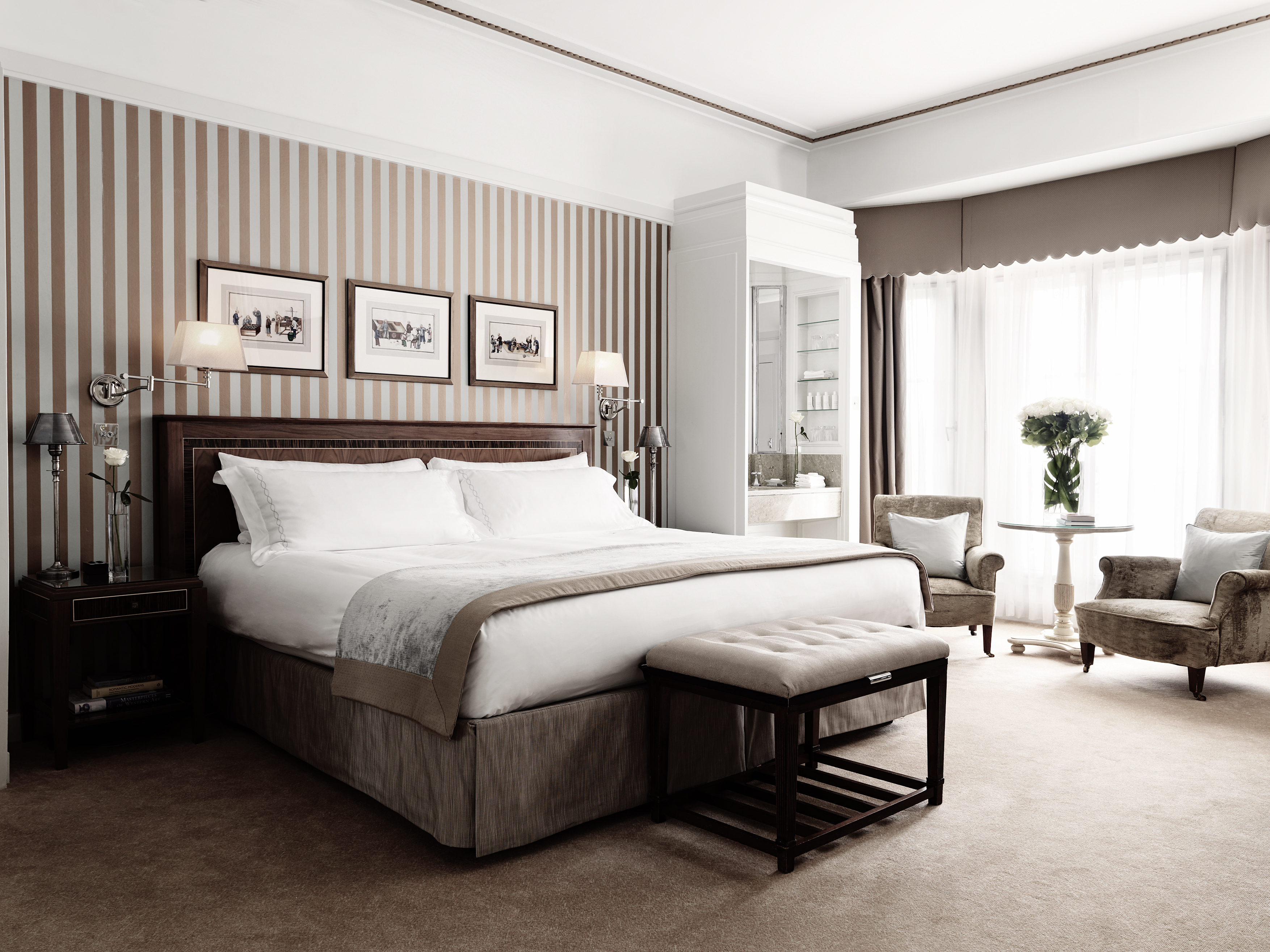 CLA_MayfairSuite_405-06_Bedroom_1-040